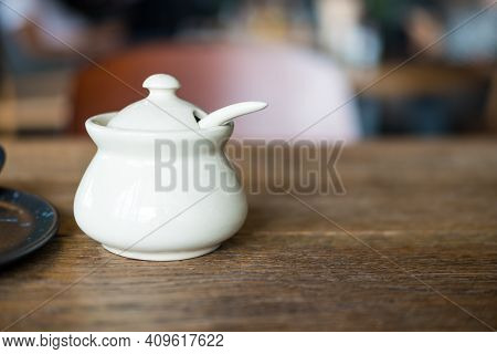Small Ceramic Bowl With Lid For Put Thai Flavoring Such As Fish Sauce Chili, Sugar, Fish Sauce, Chil