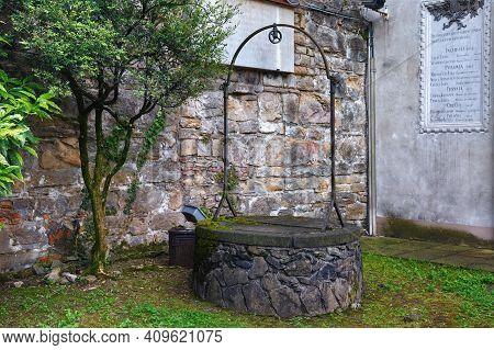 Bergamo, Italy - May 22, 2019: View Of The Well In Fortress Of Bergamo (rocca Di Bergamo). Construct