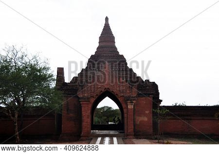 Gate Of Sulamani Temple Pagoda Chedi Burma Style For Burmese People And Foreign Travelers Travel Vis