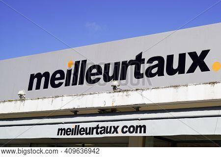Bordeaux , Aquitaine France - 02 20 2021 : Meilleurtaux.com Logo Brand And Text Sign Agency Meilleur
