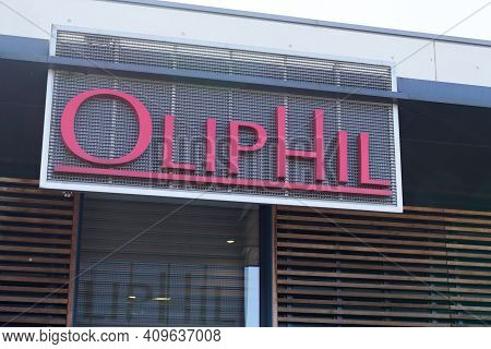 Bordeaux , Aquitaine France - 02 20 2021 : Oliphil Logo Text Store Of Retail Sign Shop Of Brand Fash