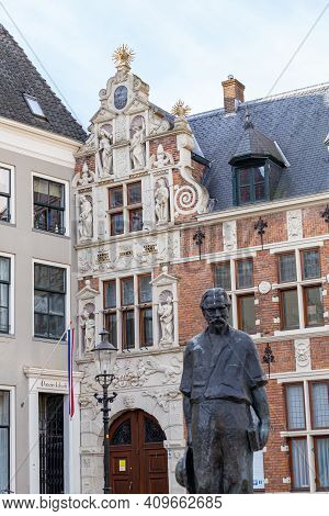 Deveter, Netherland - Januari 31, 2021: Albert Schweitzer Statue. Famous Polymath And And Winner Of