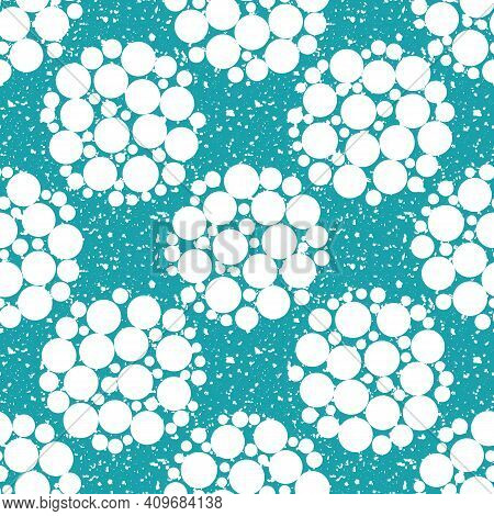 Abstract Snowball Seamless Vector Pattern Background. White Circles Within Large Circular Shapes On
