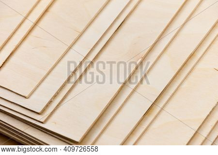 Several Sheets Of Plywood Made Of Wood. Isometric View. Construction Work. Application In Interior D