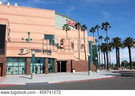 ANAHEIM, CA, FEBRUARY 11, 2015: The Honda Center Team Store.The arena is home to the Anaheim Ducks of the National Hockey League and the Los Angeles Kiss of the Arena Football League.
