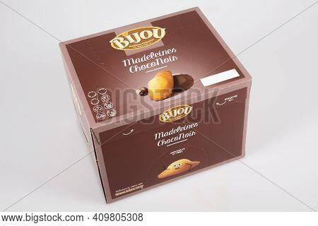 Bordeaux , Aquitaine France - 02 20 2021 : Bijou Logo Sign And Brand Text On Brown Box Of Chocolate