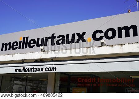 Bordeaux , Aquitaine France - 02 20 2021 : Meilleurtaux.com Sign Brand And Text Logo Of French Meill