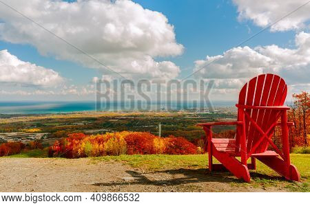 Collingwood Area,blue Mountain, Ontario, Canada, Great Inviting Natural Landscape View From The Moun