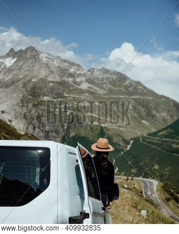 Vanlife - Live In A Beautiful Bus In The Mountainous Nature In Switzerland