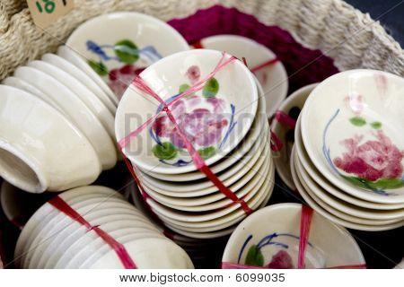 plates on market