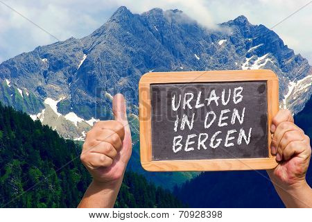 Text Message - Urlaub In Den Bergen On A Slate