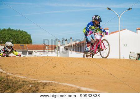 Leonor Alegria Leading The Race