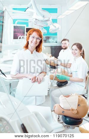 Welcome In Our Dentist Class!