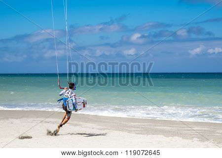 Amazing Kite Surfing At Philippines