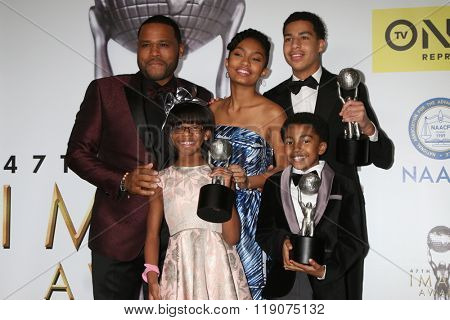 LOS ANGELES - FEB 5: Anthony Anderson, Yara Shahidi, Marcus Scribner, Miles Brown, Marsai Martin - 47TH NAACP Image Awards Press Room at the Pasadena Civic Auditorium, February 5, 2016 in Pasadena, CA