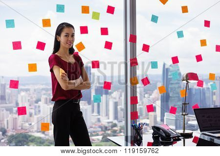 Portrait Business Woman Writing Sticky Notes Smiling Happy