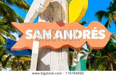 San Andres welcome sign with palm trees