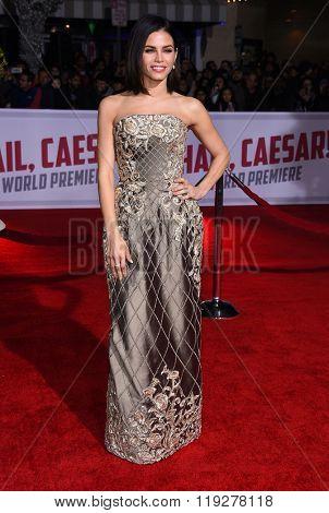 LOS ANGELES - FEB 01:  Jenna Dewan-Tatum arrives to the