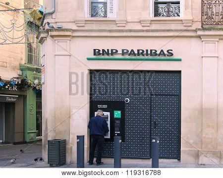 Arles Bank Atm
