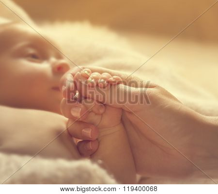 Baby Holding Mother Hands, Sick Newborn Health, New Born Help