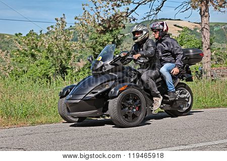 Three-wheeled Brp Can-am Spyder