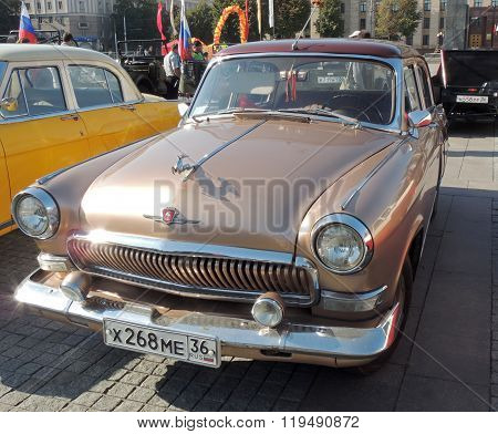 Gaz M21 Volga Of The Series Three Brown Color