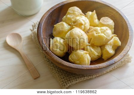 Choux Pastry Cream Puffs With Milk