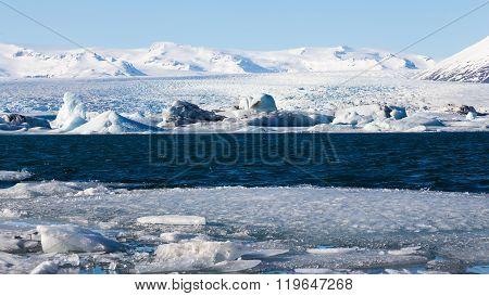 Ice lake over Jakulsarlon glacial in winter, Iceland