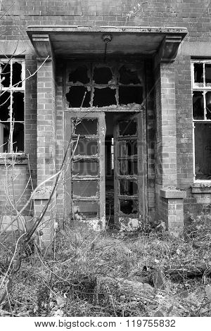 Abandoned building/warehouse