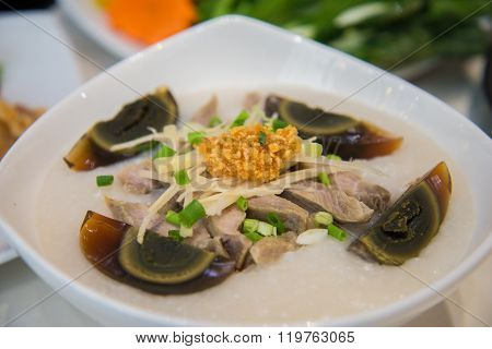 Congee with preserved eggs