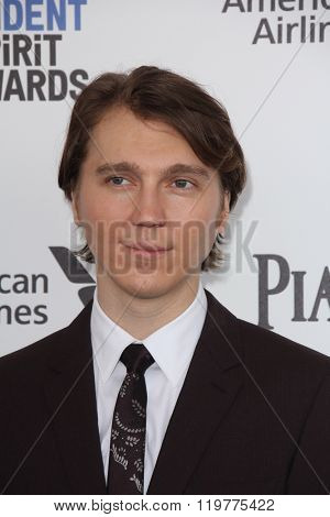 LOS ANGELES - FEB 27:  Paul Dano at the 2016 Film Independent Spirit Awards at the Santa Monica Beach on February 27, 2016 in Santa Monica, CA