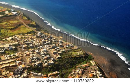 Sao Filipe, Waves And Beach