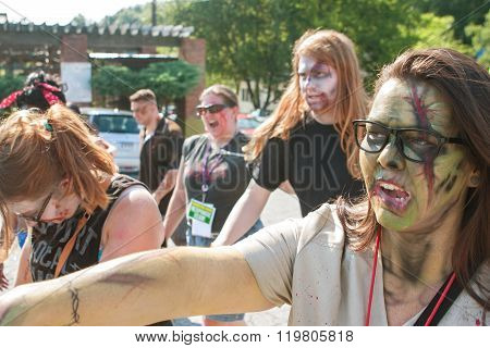 People Wearing Elaborate Zombie Makeup Walk In Atlanta Pub Crawl