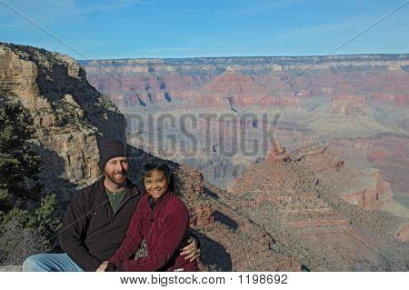 Couple at grand canyon2