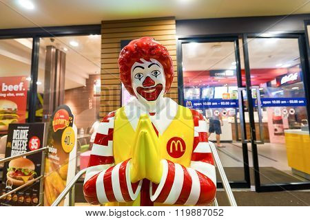 PATTAYA, THAILAND - FEBRUARY 18, 2016: Ronald McDonald character near McDonald's restaurant. Ronald McDonald is a clown character used as the primary mascot of the McDonald's restaurant chain.