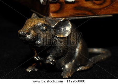 Forged mouse