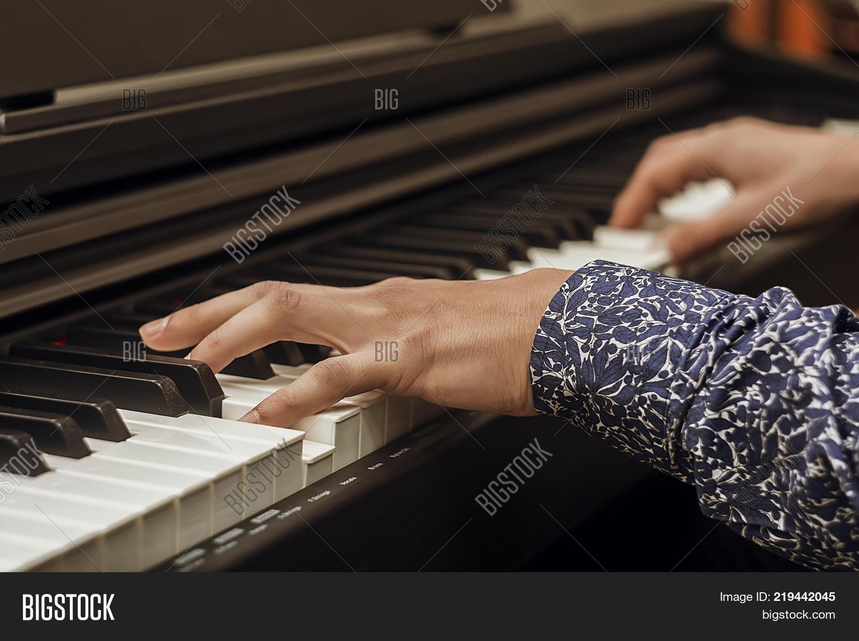 Closeup Woman's Hand Image & Photo (Free Trial) | Bigstock