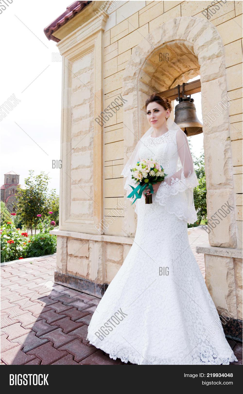 Beautiful Bride Wedding Dress Image & Photo | Bigstock