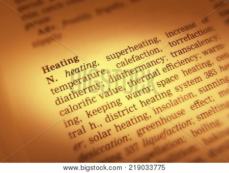 Cleckheaton, West Yorkshire, Uk: Thesaurus Page Showing Definition Of Words Heating, 30th March 2005