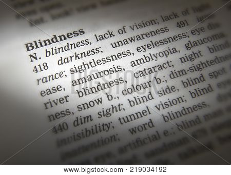 Cleckheaton, West Yorkshire, Uk: Thesaurus Page Showing Definition Of Word Blindness, 30th March 200