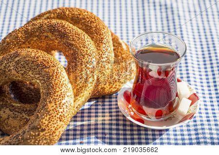 Black tea and turkish bagel; gevrek simit