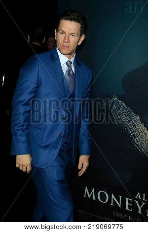 LOS ANGELES - DEC 18:  Mark Wahlberg 1 at the