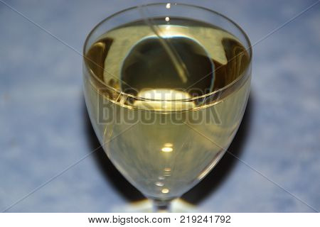 A medium sweet wine is a wine the content of which in sugar is of the order of 10 45 grams by liter. A wine of more than 45 grams of sugar by liter in the category of syrupy wines. Softness of tells itself of a wine the velvety sweetness, a smooth wine