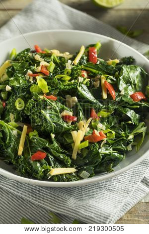 Raw Green Organic Collard Greens