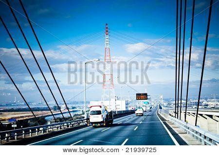die Highroad einer Stadt in Japan.