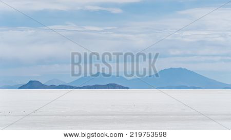 Uyuni Salt Flat world's largest salt flat Salar de Uyuni Bolivia