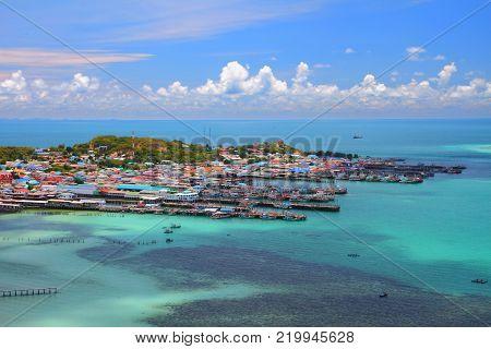 Horizon blue seascape at Samaesan village Chonburi, Gulf of Thailand.