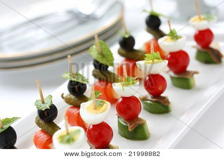 canapes on toothpicks , appetizer, pincho
