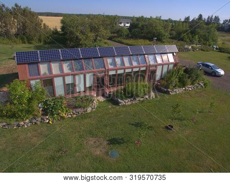 Wellington, Pei/canada - August 23 2019: An Earthship Style Home In Wellington, Pei That Was Funded