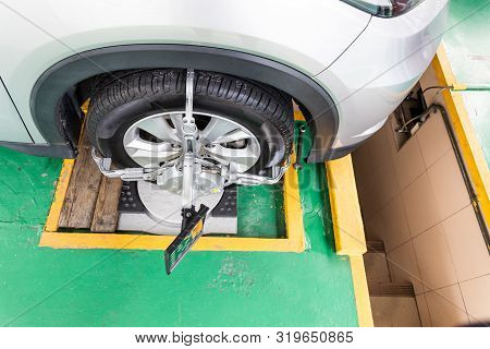 Car Wheel Clamp With Wheel Align Device For Wheel Alignment